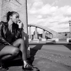 Anna Parisi : son nouveau clip «T'es Qui Pour Moi»