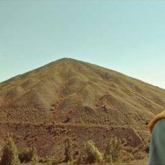 Les Gens du Nord «Tout in haut deuch terril» interprété par Dany Boon !