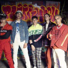 PRETTYMUCH : découvrez leur nouveau clip «Lying» feat. Lil Tjay