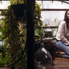 Vaimalama : Douce et mélancolique dans le clip de «Porque te vas»