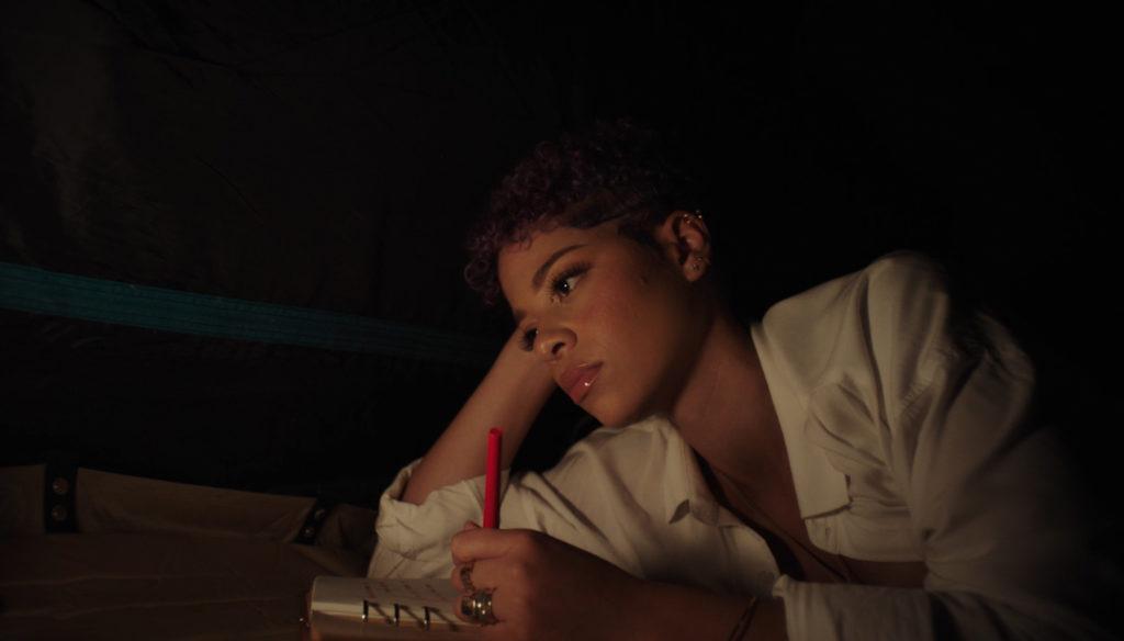 Dorely dévoile son nouveau clip «Dernière chanson d'été»